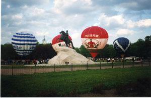 экспозиция воздушных шаров у медного всадника