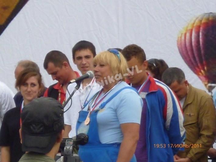 Екатерина Ларикова выступает с речью