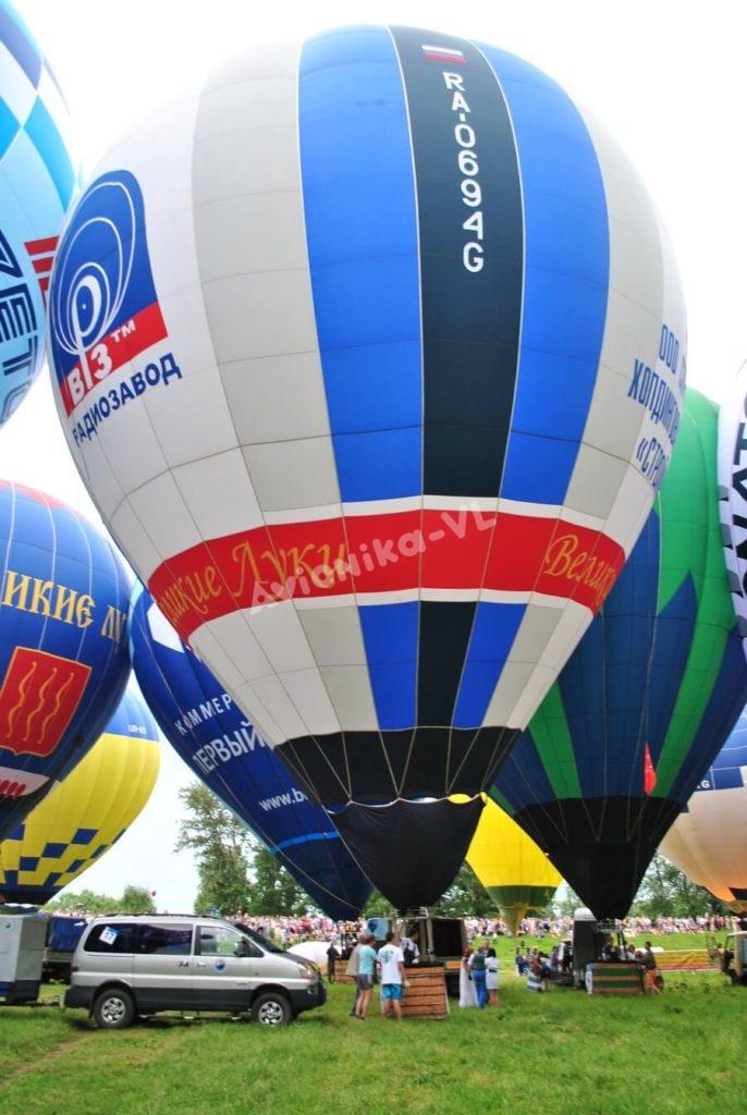 Подъем аэростатов на фестивале воздушных шаров