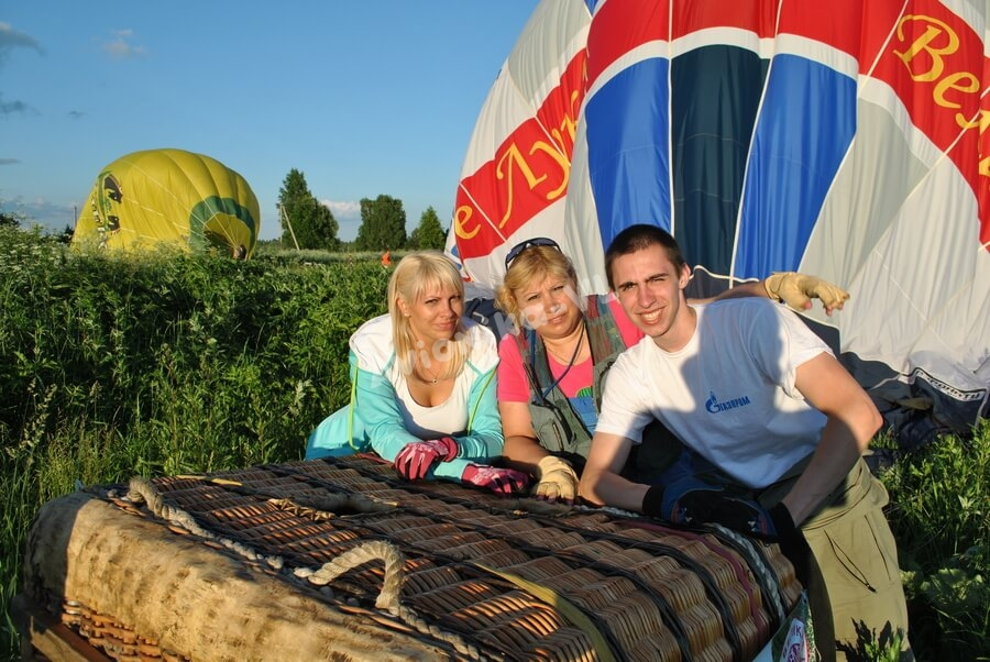 команда Авионики-ВЛ у корзины воздушного шара