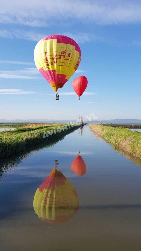 """Полет на воздушном шаре и аэростате """"Сердце"""" над полями"""