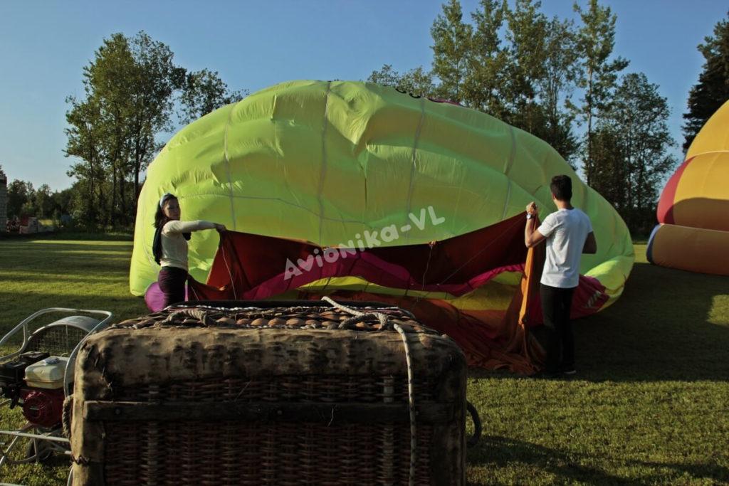 Поднимаем воздушный шар в небо